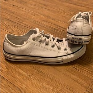 Converse All-Star white leather Chuck Taylors EUC